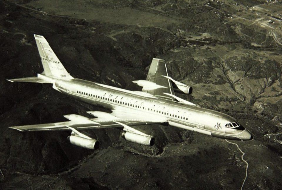 Convair 990 airliner in mid-air